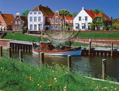 Greetsiel on the North Sea - 2000pc Jigsaw Puzzle By Ravensburger