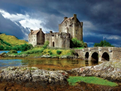 Eilean Donan Castle, Scotland - 750pc Jigsaw Puzzle by Buffalo Games