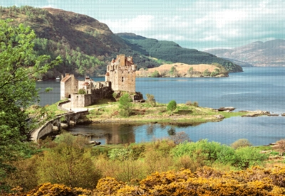 Eilean Donan Castle, Scotland - 2000pc Jigsaw Puzzle by Castorland